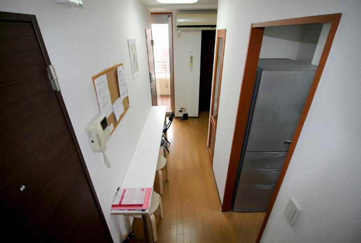 Entrance Woman Only - Share Nippori 2nd Room