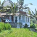 the house Dikaloha Surfcamp Bali
