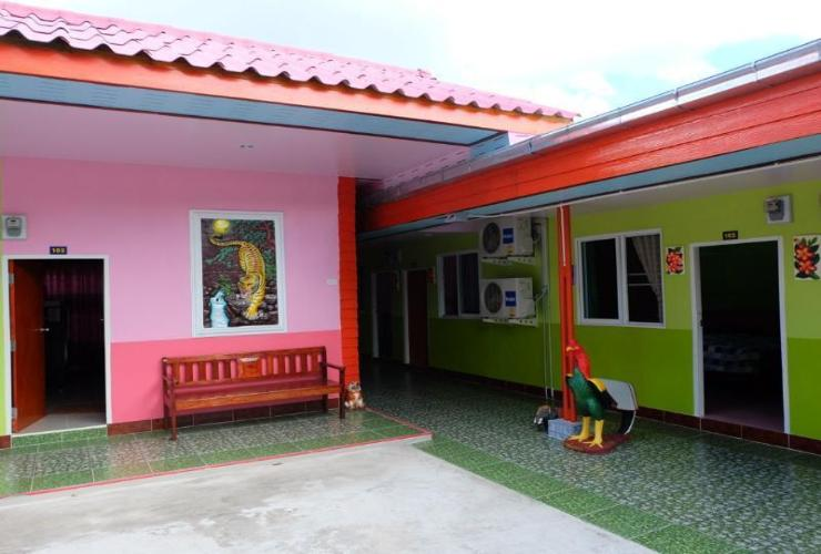 Other Wangthong Guesthouse