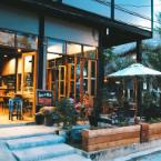 null Lipe - Bloom Cafe and Hostel