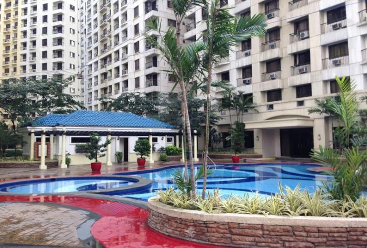 outdoor pool Vy Rentals at Forbeswood Heights Condominium