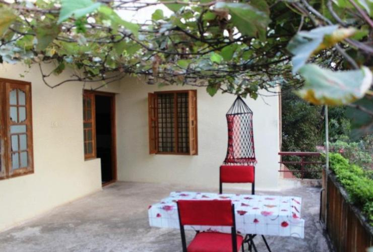 Homestay Exterior Paradise Holidays Guest House
