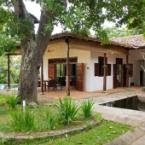 null 3 Bedroom Luxury Villa with Pool at Koggala Lake