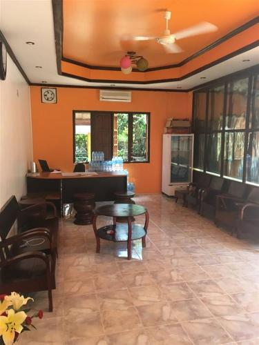 Featured Image Vongprachan Backpackers Hostel