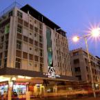 Featured Image Alpha Hotel