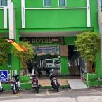 Featured Image Green Hotel
