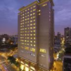 Featured Image Lees Hotel