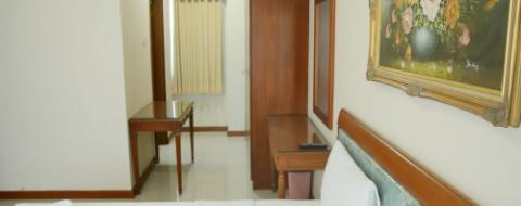 Kamar Cozy And Affordable 2BR Sudirman Tower Condominium near Plaza Semanggi
