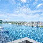 Featured Image Pattaya Central Sea View Pool Suite