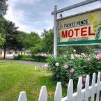 Featured Image Picket Fence Motel