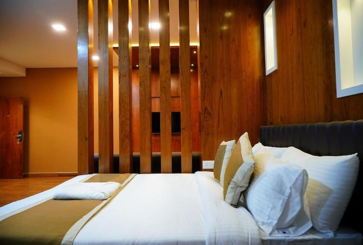 Room The Renaissance Hotel By Nextel