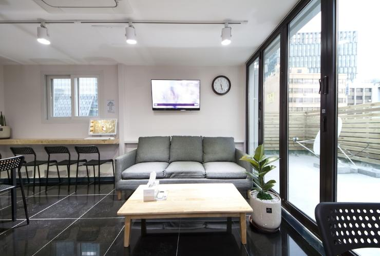 Featured Image Sunny Guesthouse Seoul City