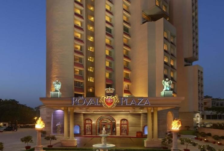 Featured Image Hotel The Royal Plaza