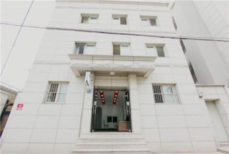 Featured Image Seoul Tower Family Guesthouse