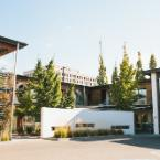 Featured Image Modern Hotel and Apartments