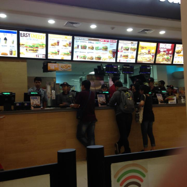 Suasana di Burger King - Gandaria City