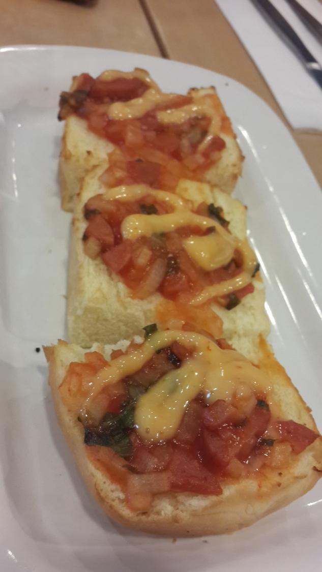 Makanan di Pizza Hut Supermal Pakuwon Indah