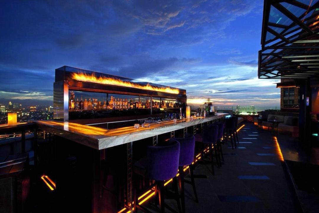 Foto Cloud Lounge & Dining - Altitude at The Plaza lainnya