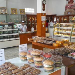 Purimas 3 Cake & Bakery