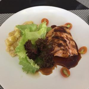 Pangi Restaurant at b Hotel Bali & Spa