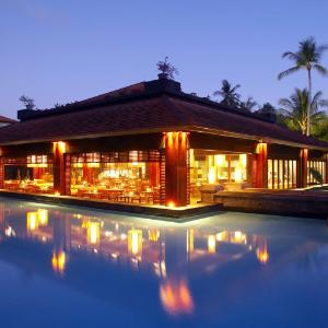 Banyubiru Restaurant - The Laguna Resort & Spa