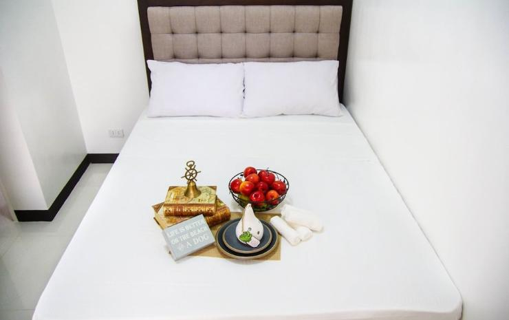 V AND G SUITES LIMAY